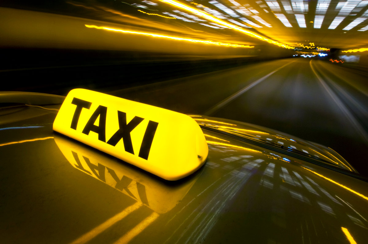 larnaca airport taxi in cyprus